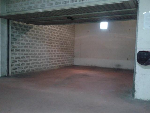 Alquiler y venta de garajes jard n de cantos avda lugo for Garajes en renta