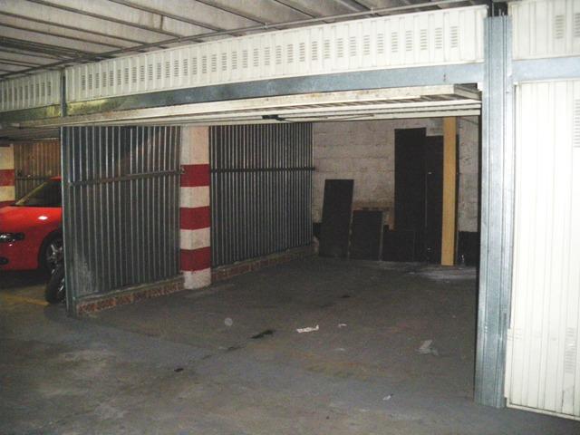 Alquiler y venta garajes y trasteros en versalles for Garajes en renta